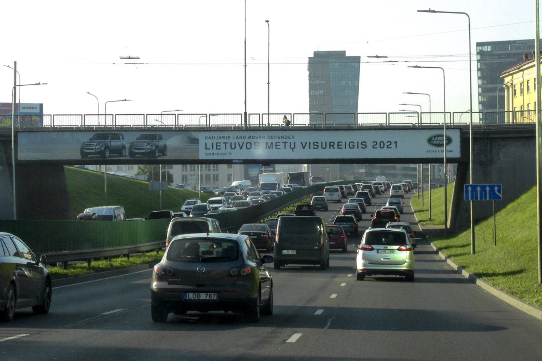 Svarbiausi siūlomi eismo taisyklių pakeitimai įsigaliotų nuo 2022-ųjų birželio.<br>V.Ščiavinsko nuotr.