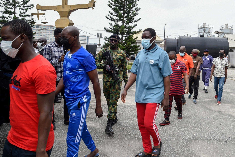 Nigerijoje sugauti mažiausiai 108 iš 240 kalinių, pabėgusių iš kalėjimo šalies centrinėje dalyje.<br>AFP/Scanpix nuotr.