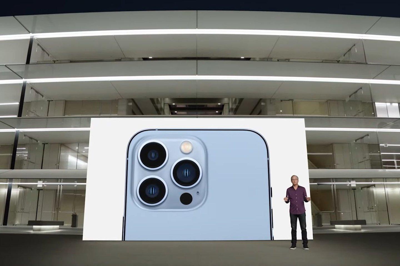 """Naujasis """"iPhone 13 Pro"""".<br>Transliacijos stop-kadras."""