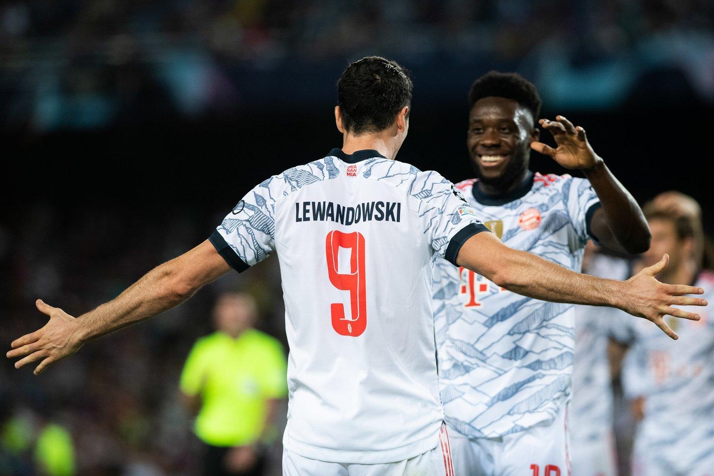 R.Lewandowskis įmušė 2 įvarčius.<br>AFP/Scanpix nuotr.