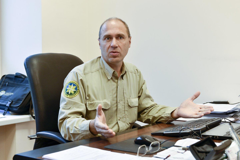 Vilniaus gyvosios gamtos apsaugos inspekcijos viršininkas Sigitas Mikėnas.<br>V.Ščiavinsko nuotr.