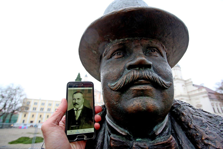 Jono Vileišio skulptūra Laisvės alėjoje.<br>M.Patašiaus nuotr.