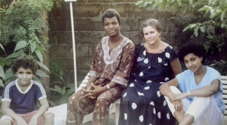 Visa šeima Malyje kartu gyveno neilgai – motina pirmiau mokytis į Vokietiją išsiuntė Gabiją (dešinėje), po to ir Viktorą.<br>Nuotr. iš asmeninio albumo