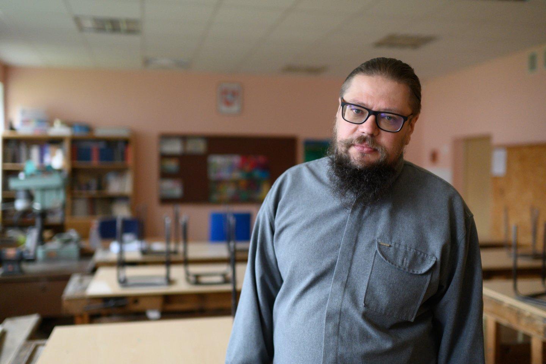 Gimnazijos mokytojas Dainius Kuchanauskas.<br>V.Skaraičio nuotr.