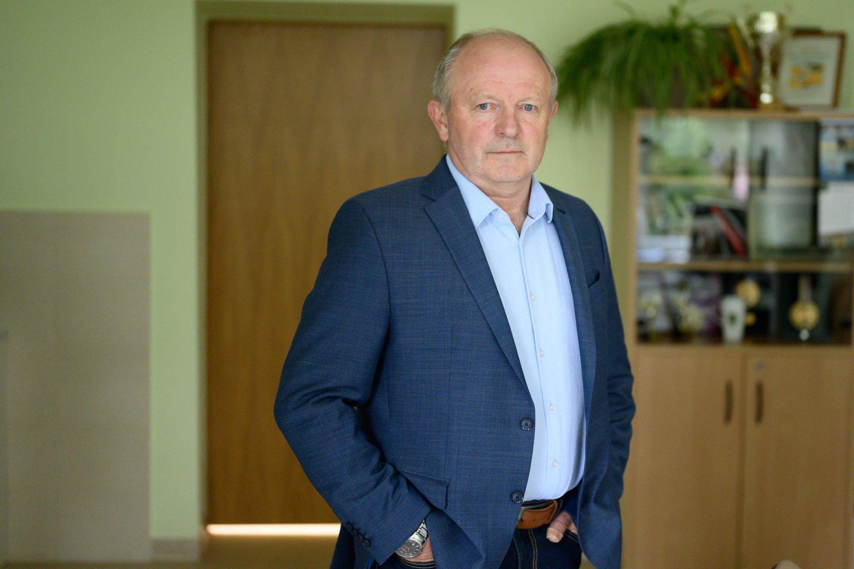 Gimnazijos direktorius Vytautas Gustas.<br>V.Skaraičio nuotr.