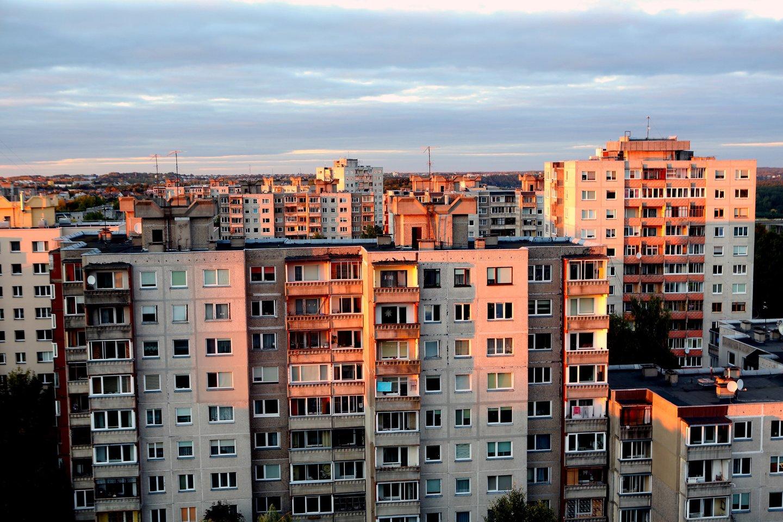 Autorių piktina ne tik augančios šildymo kainos, bet ir Vilniaus šilumos tinklų darbuotojų atlyginimai.<br>M.Patašiaus nuotr.