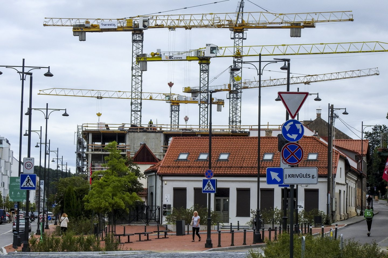 Vilniuje per tris ketvirčius rezervuotų butų ir kotedžų skaičius jau viršijo sėkmingiausių iki 2019–ųjų rezultatą, kai per visus metus šis skaičius siekė 6 178.<br>V.Ščiavinsko nuotr.