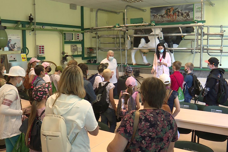 Šviečiamoji gyvulininkystės programa padeda geriau pažinti gyvulininkystės ūkių kasdienybę, taip pat yra svarbi ir pedagogams, vykdantiems Programą savo klasėse.