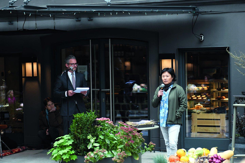 Valgiaraštį virtuvės vadovui R.Vasiliauskui padėjo kurti Danijos tvarumo koncepcijų pažiba L.Lee Jorgensen.