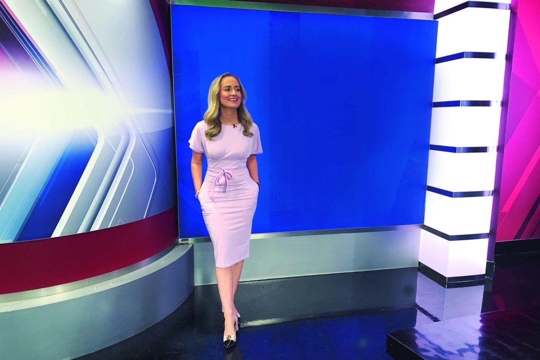"""R.Ulčinaitė vos prieš trejus metus baigė studijas Mičigane, bet greitai kilo karjeros laiptais ir vasarą tapo """"FOX17"""" televizijos kanalo ryto laidos vedėja.<br>Asmeninio archyvo nuotr."""