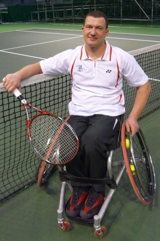 Aleksandro iniciatyva tarp Lietuvos neįgaliųjų išpopuliarėjo lauko tenisas.<br>Asmeninio archyvo nuotr.