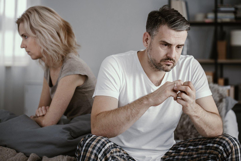 Vyro problemos lovoje varo žmoną į neviltį. Ji įsitikinusi, kad tai kažkas nenormalaus.<br>123rf.com asociatyvioji nuotr.
