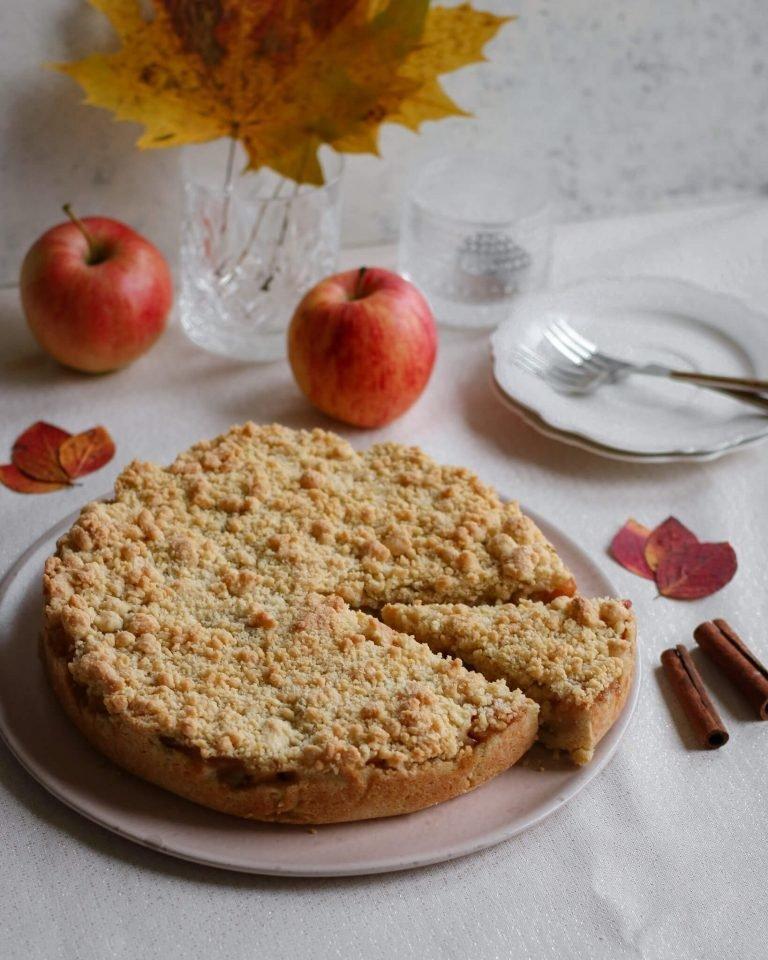 """Trupininis obuolių pyragas.<br>""""Skanauk su Aušra"""" nuotr."""