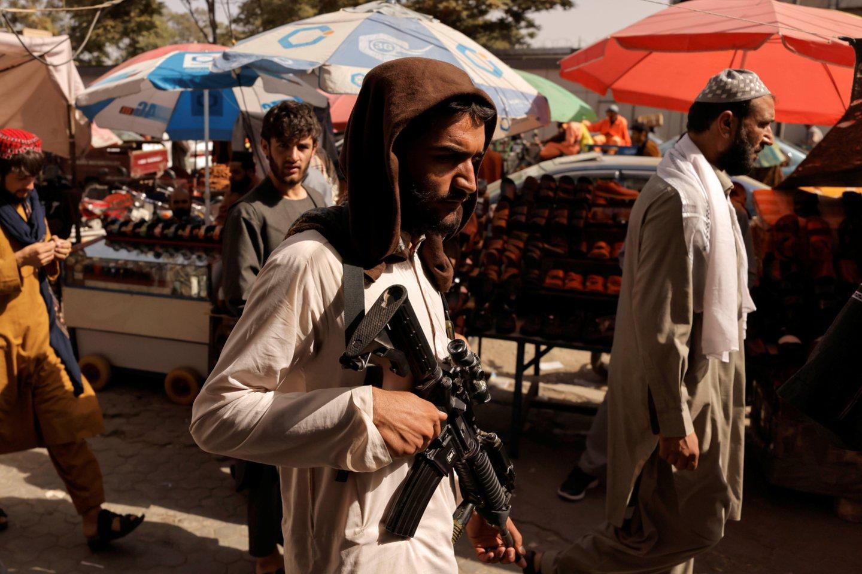Rugpjūčio pirmoje pusėje Talibano pajėgos per žaibišką puolimą nuvertė ankstesnę, tarptautinės bendruomenės remiamą Afganistano vyriausybę. <br>Reuters/Scanpix nuotr.