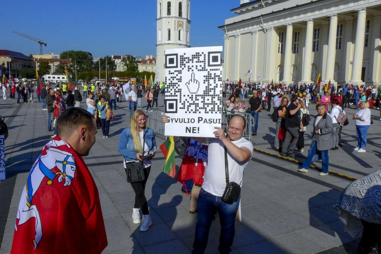 Rugsėjo 10-osios mitingas Katedros aikštėje.<br>V.Ščiavinsko nuotr.