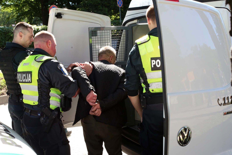 Kauno teisme nagrinėjant 15-metės išžaginimo bylą, atsiliepė kita mergina, kuri tvirtino būdama 13 metų nukentėjusi nuo to paties prievartautojo.<br>A.Vaitkevičiaus asociatyvioji nuotr.