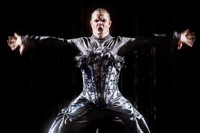 """Spalio 15 ir 16 dienomis pirmą kartą LNOBT scenoje išvysite Dalios Ibelhauptaitės režisuotą Charles'io Gounod operą """"Faustas"""", vadintą pačiu prabangiausiu """"Vilnius City Opera"""" pastatymu.<br>D.Matvejevo nuotr."""