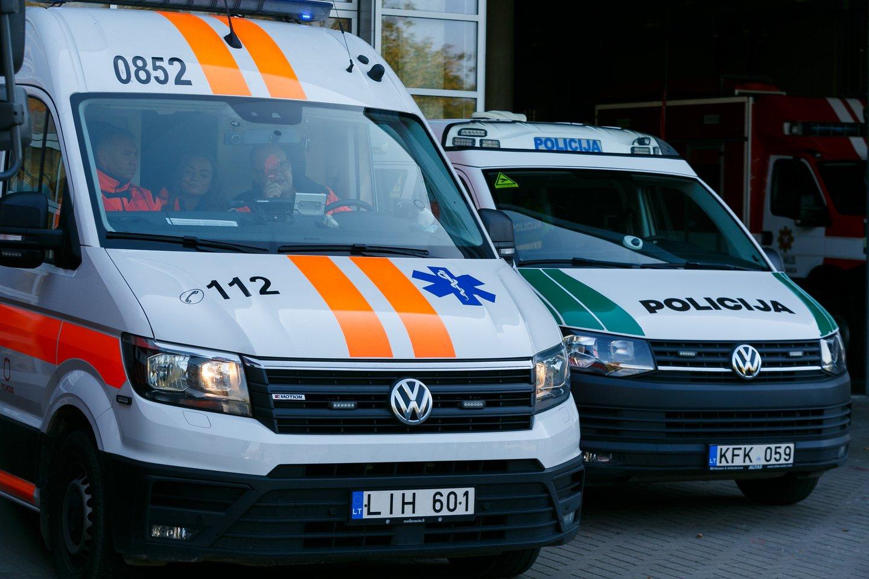 Į įvykio vietą buvo pasiųsti greitosios pagalbos ir policijos ekipažai.<br>T.Bauro nuotr.