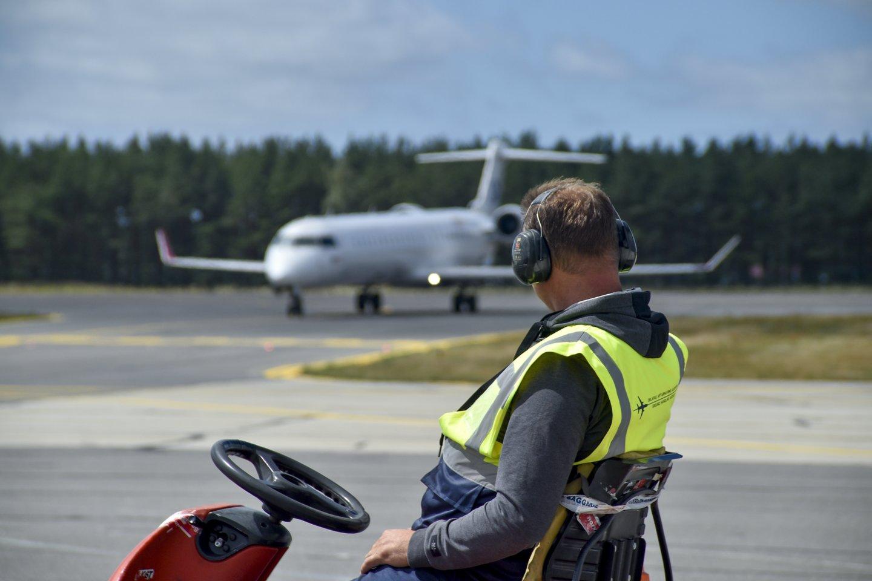 Rugsėjo pradžioje pradėta Palangos oro uosto modernizacija jau artėja prie pabaigos.<br>V.Ščiavinsko nuotr.