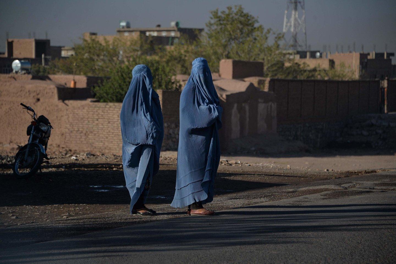 Talibanas su IS-K kovoja nuo pat jos atsiradimo Afganistane 2014 metais.<br>AFP/Scanpix nuotr.