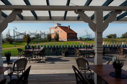 Šalia Ventės rago ornitologijos stoties paukščių ekspozicijos prisiglaudusio restorano interjeras nustebina kone visus pirmą kartą čia apsilankiusius svečius.